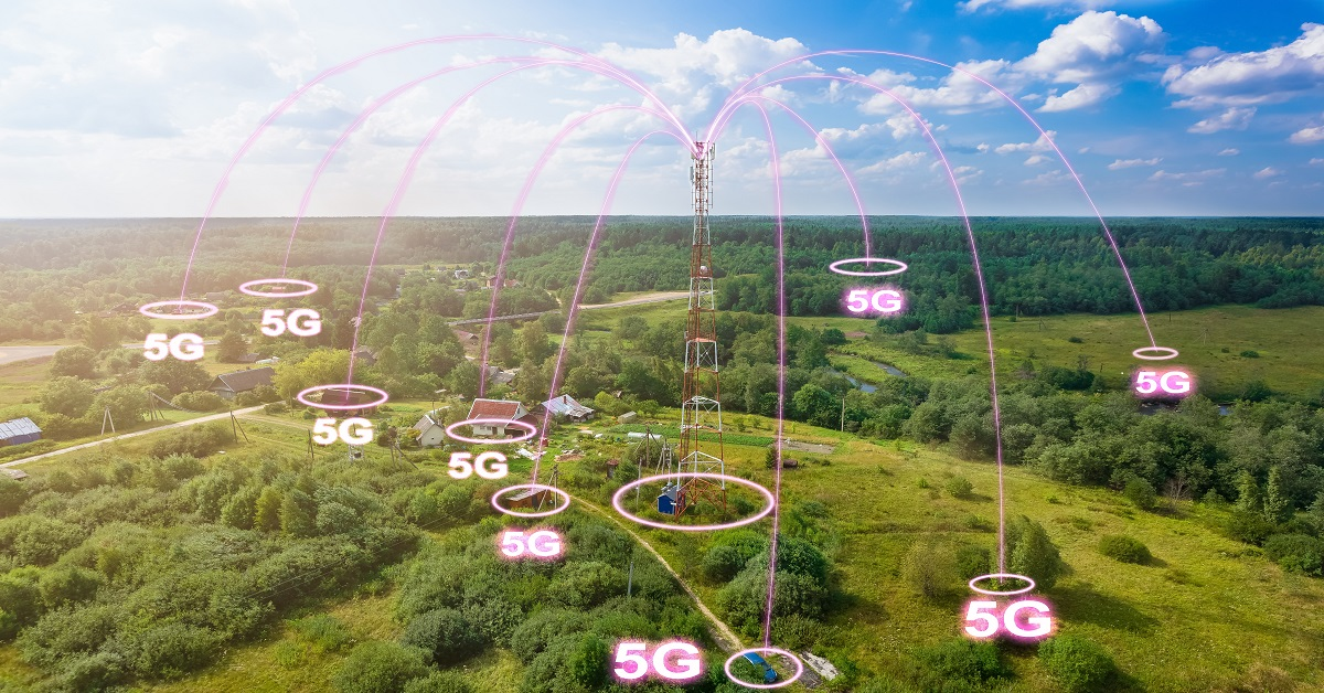 5G internet tower connecting rural area - TeleDynamics blog